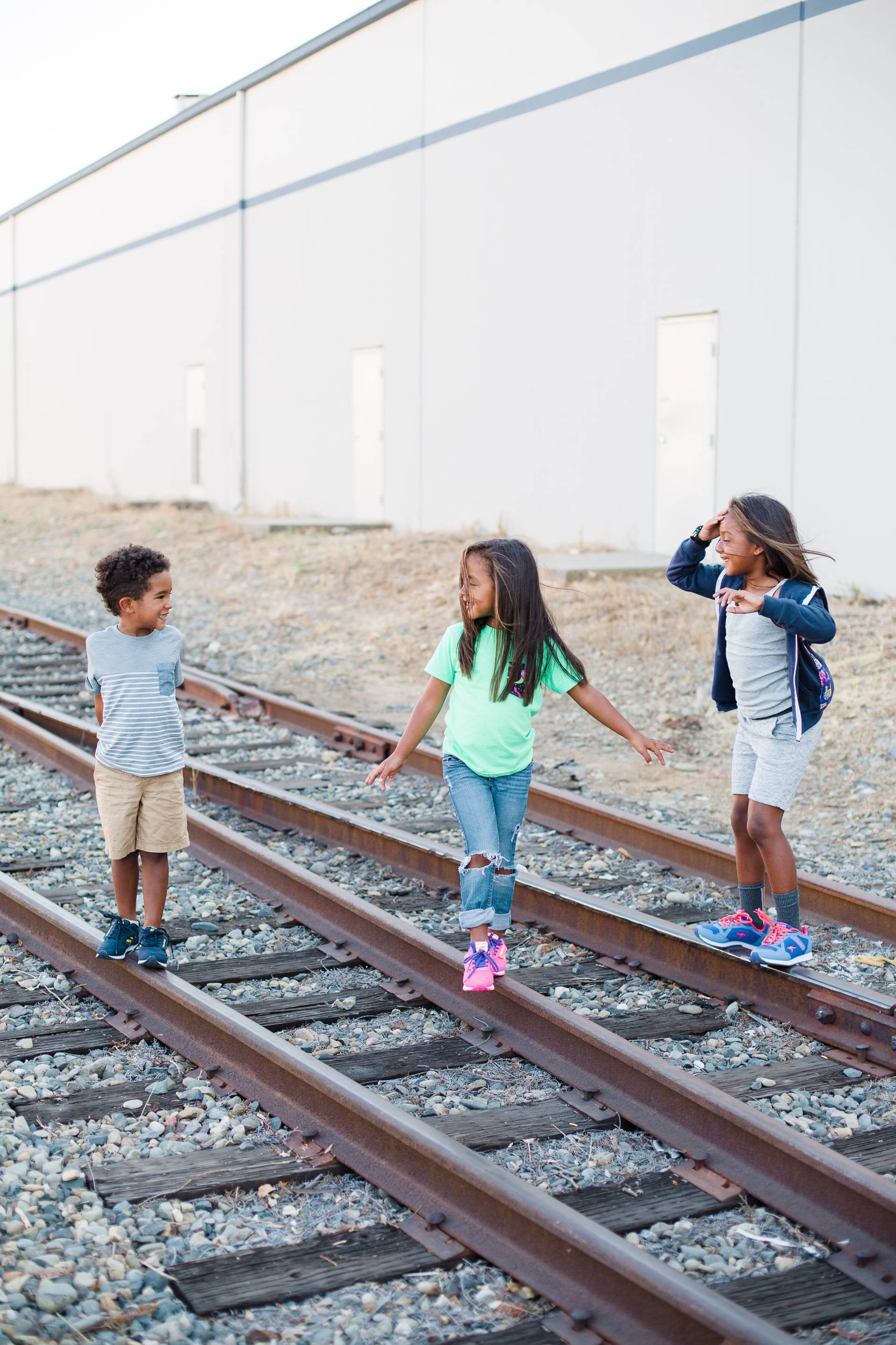 tips-for-back-to-school- siblings