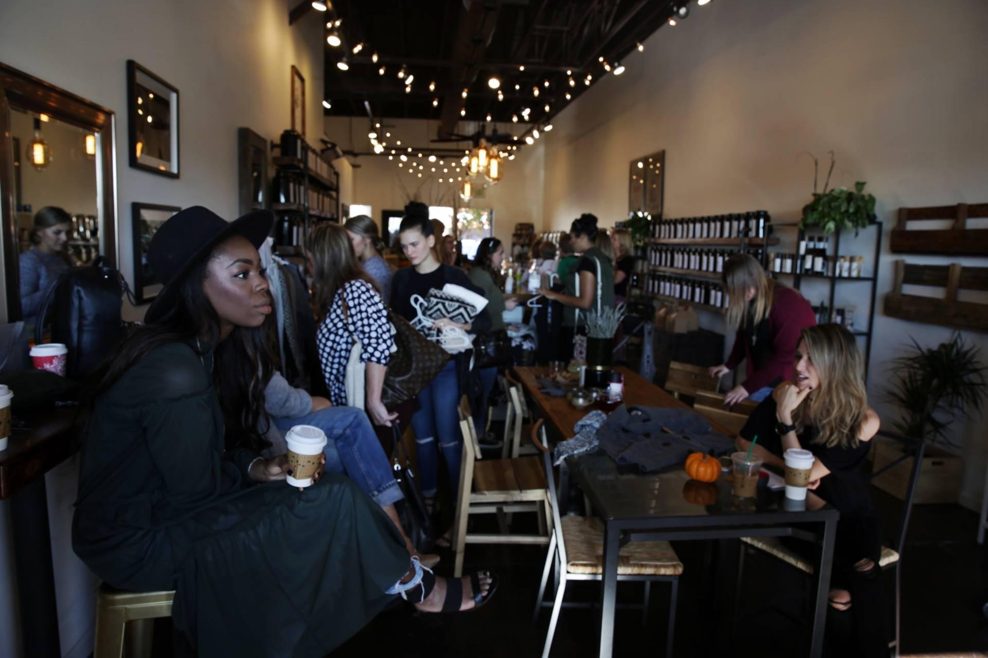 fashion-blogger-closet-sale-teaoxics-re-cap- friends