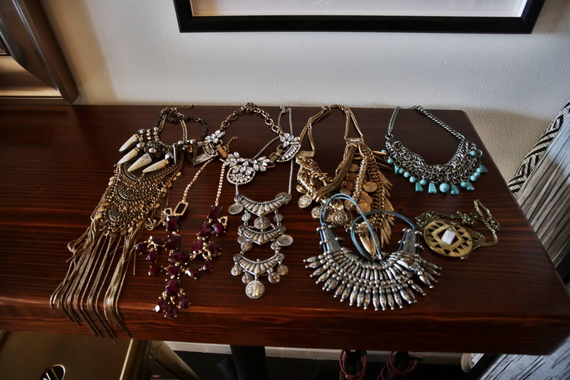 fashion-blogger-closet-sale-teaoxics-re-cap- jewlery