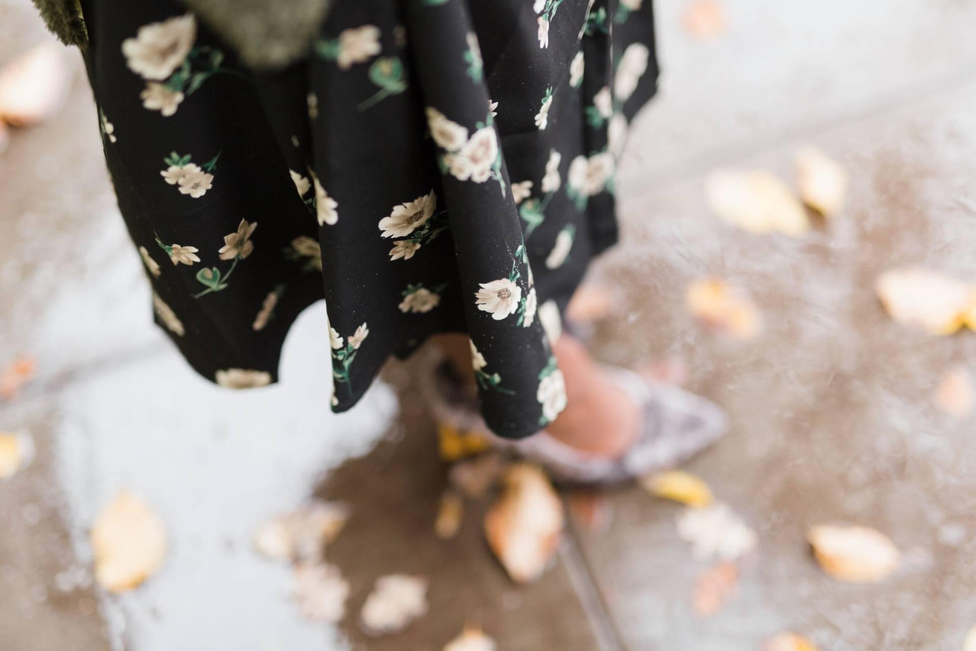 floral-wrap-dress- detail shot