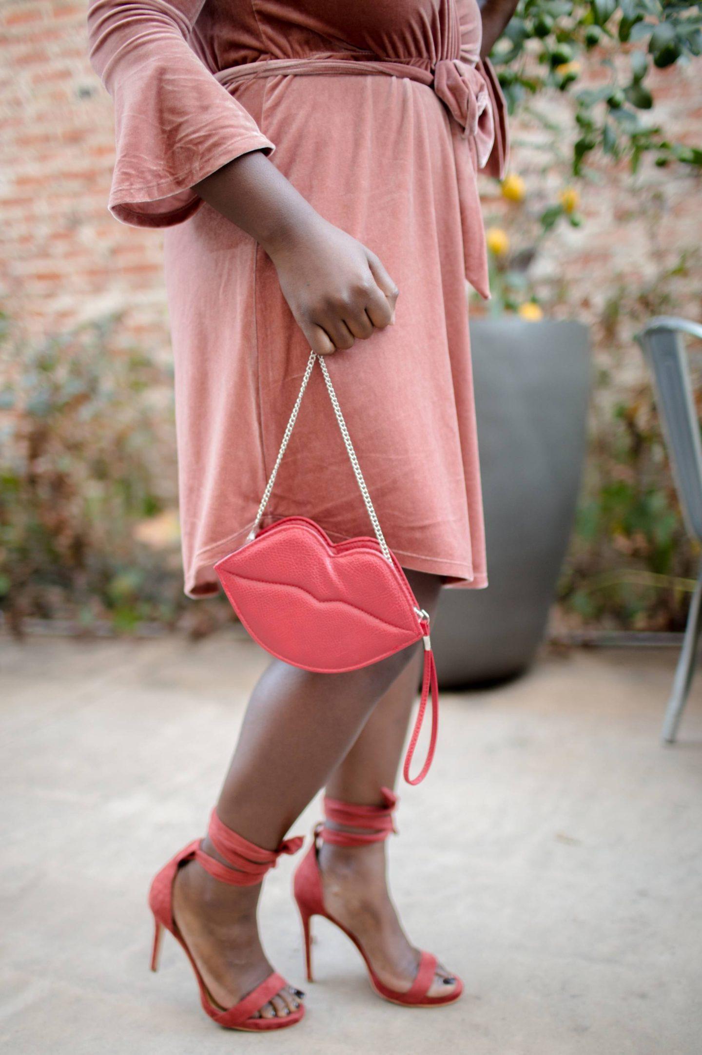 pink-velvet-lips bag