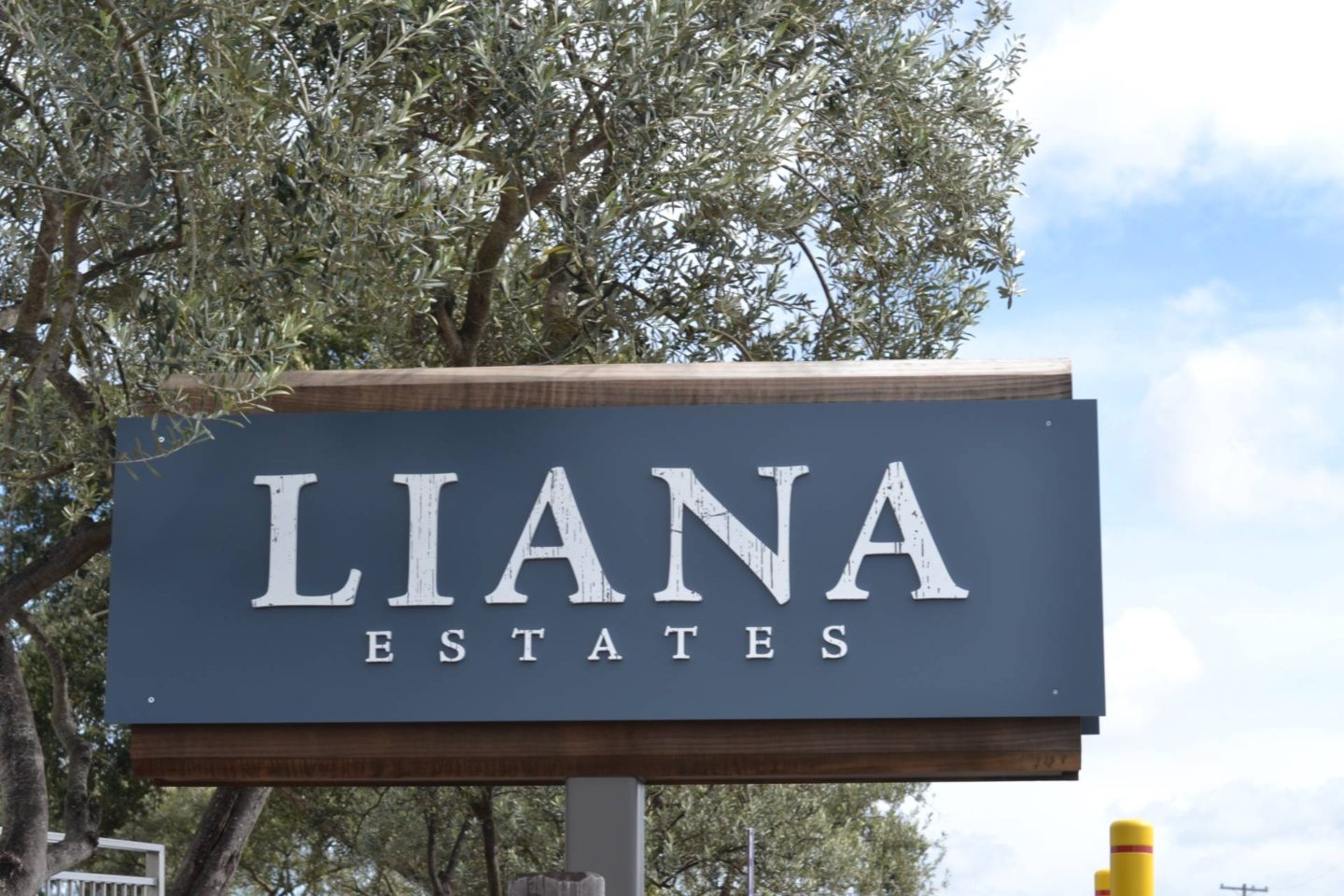 liana-estates-napa-valley- the sign